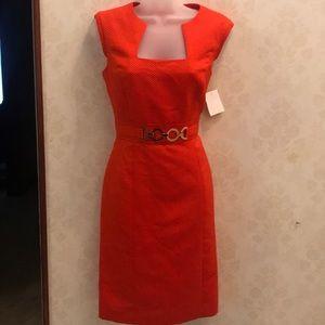 TAHARI Sheath Dress With Gold Hardware Size 4